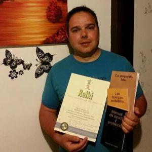 Diploma de nivel 3 reiki y adquirió 3 de mis ejemplares.